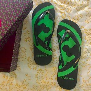 TORY BURCH Flip Flop Sz 8 Blk & Green